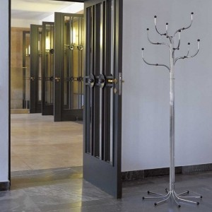 Perchero Coat Tree de Fritz Hansen ambiente 4