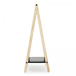comprar Toj Clothes Rack pequeña en fresno y acero color negro de Normann Copenhagen